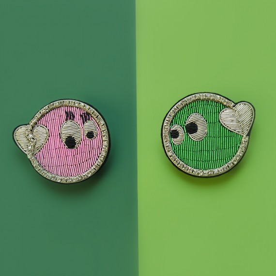 Smileys In Love Brooch Set
